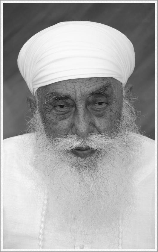 Satguru Jagjit Singh.Photo Courtesy: Namdhari Darbar, Bhaini Sahib.
