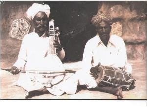 Sakar Khan with his brother Pempe Khan. 1976.Photo Courtesy - Khete Khan Manganiar.